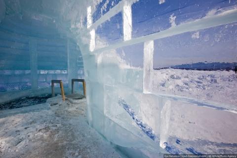 О�д�� на озе�е Байклал банн�й ледяная баня в Байкал��ке
