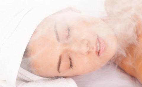 При посещении парной человеческий организм переживает стрессовое состояние, которое вызвано перепадом температур.