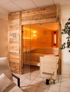 До вашего захода кабинка должна быть включена в течение 10 – 15 минут, чтобы обеспечить оптимальный температурный режим внутри.