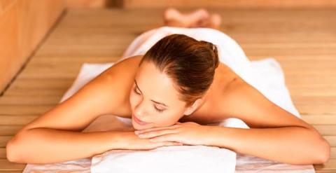 Баня поможет наладить гормональный фон, укрепить женское здоровье, сделать так, чтобы месячные в будущем переносились комфортнее.