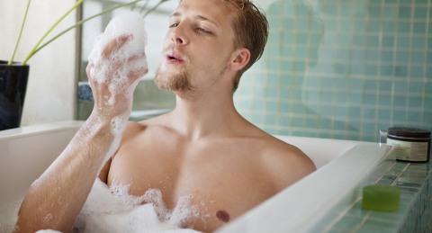 Соблюдайте элементарную гигиену: ,принимайте душ не менее 1 раза в день.