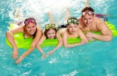 После парной необходимо окунуться в бассейн, принять душ, окатиться ледяной водой или прыгнуть в прорубь