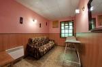 Комната отдыха, массажный стол