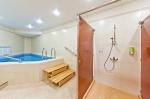 бассейн, душ